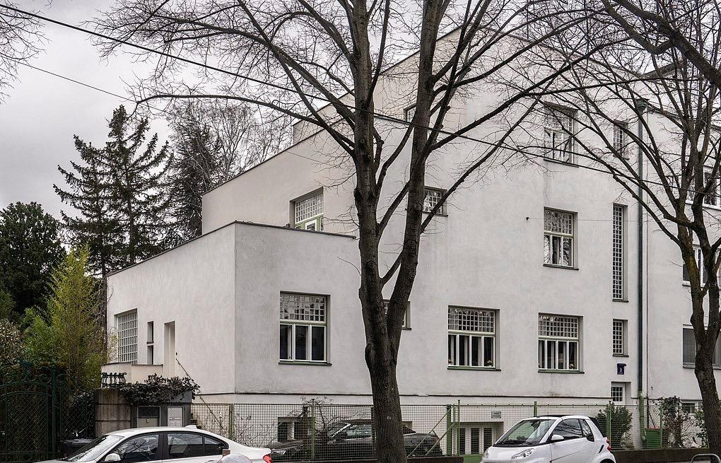 Casa Scheu, Larochegasse 3, Vienna. Photo Wikimedia Commons – Thomas Ledl