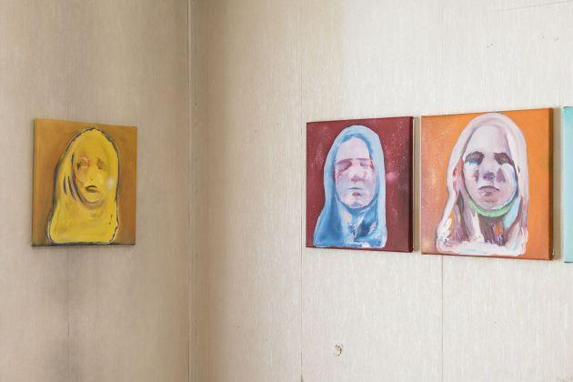 Davide Serpetti, The Sleepers, 2021, tecnica mista su tela, cm 40x40 ognuno