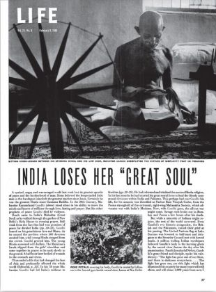 """Margaret Bourke-White, India Loses her """"Great Soul"""", in Life, maggio 1946"""