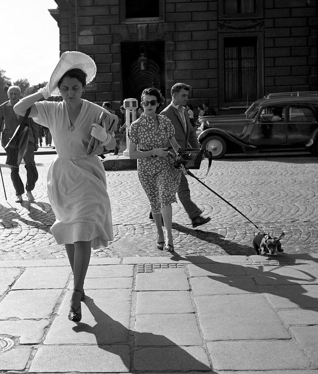 Robert Doisneau, Vent rue Royale, Paris, 1950 © Robert Doisneau – Gamma Rapho