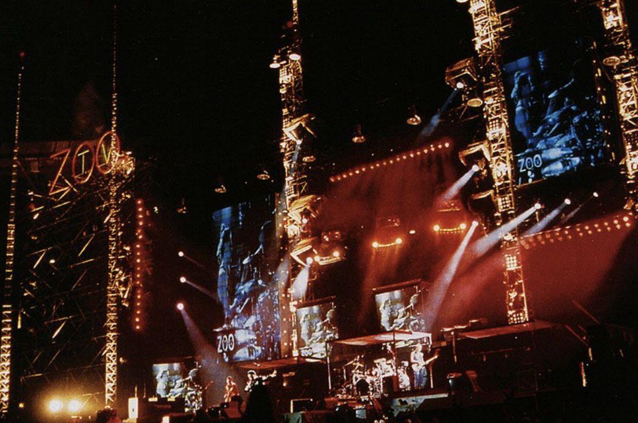U2, Zoo TV Tour, 1992